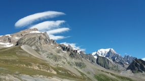 Au col de la Seigne, Aiguille des Glaciers, Tré la tête, Mont Blanc